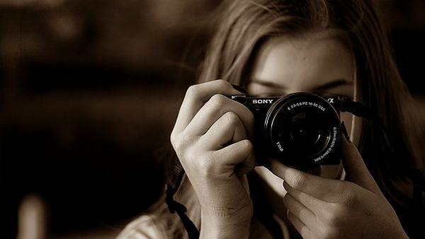 Fotografowie wykonujący zdjęcia ślubne