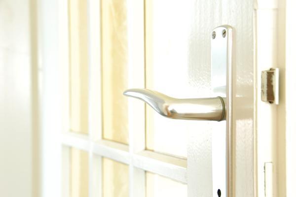 Jakie klamki do drzwi wybrać?