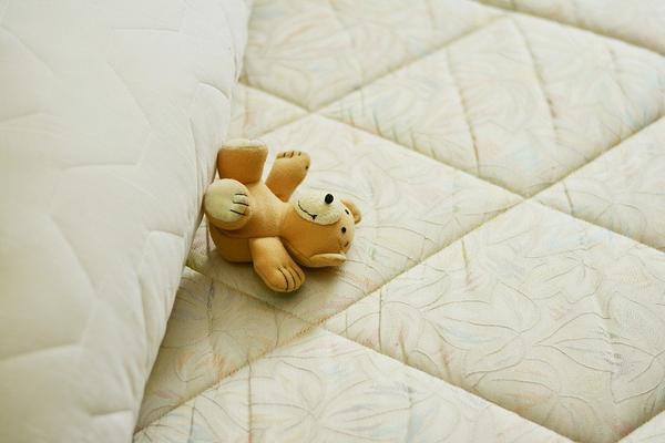 Niedroga pościel do łóżeczka dla dzieci