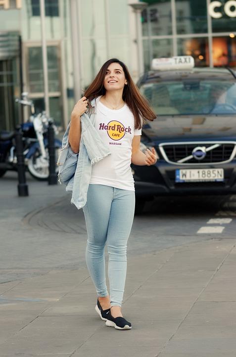 Zakup t-shirtów w sklepie online