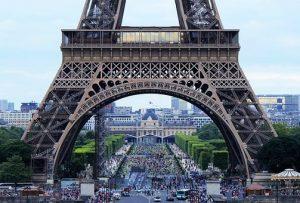 Niedrogie jednodniowe wycieczki do Paryża