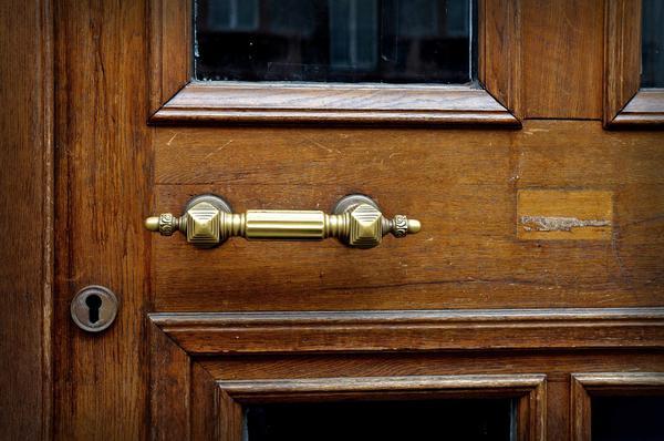Co powinno charakteryzować drzwi wewnętrzne?