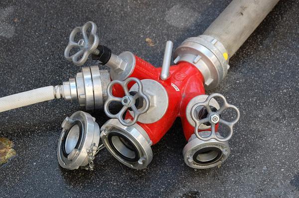Pompownia przeciwpożarowa zabezpieczeniem firm produkcyjnych